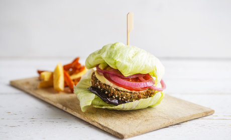 QUINOA_KALE_BURGER_SLAD_WRAPPED_372_2