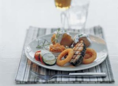 51_ajf_gemarineerde_tonijn_met_onion_rings_2_300jpg